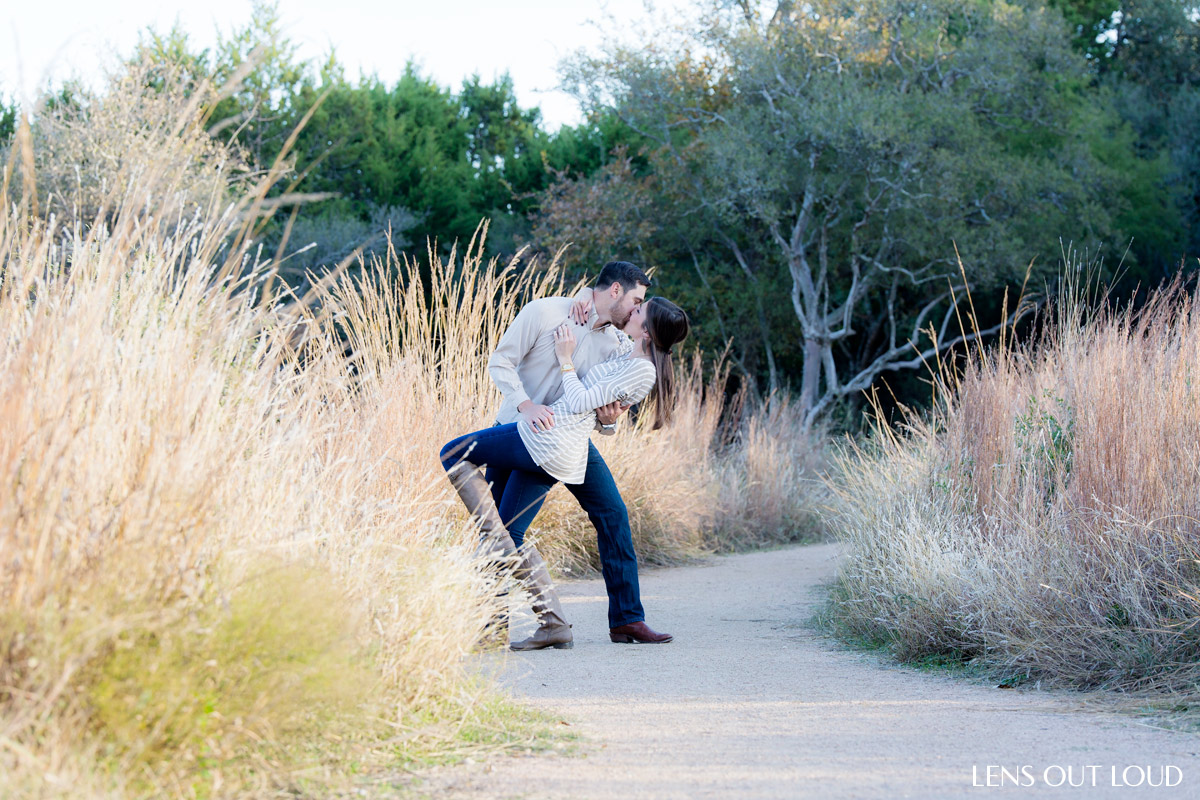 Outdoor Engagement Photo Locations in San Antonio
